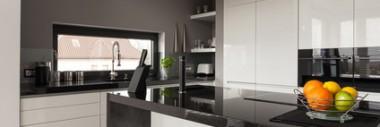 Bäder, Küchen, Fensterbänke, Außentreppen